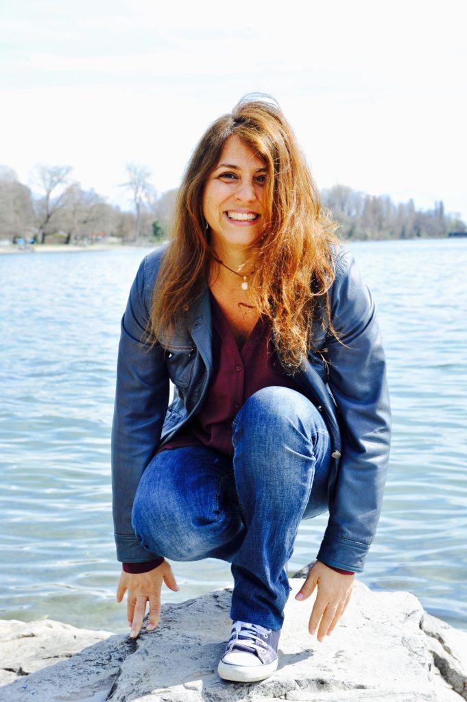 Portrait de Cristina Martinucci au bord du lac Léman à Lausanne en 2016